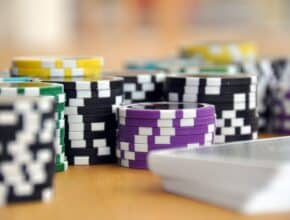 Free Slot Apps Vs. Online Casinos: Which One Should You Play?